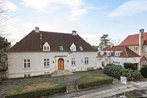 Per Kirkebys gamle villa på Øregårds Alle i Hellerup. Foto: Ivan Eltoft Nielsen.