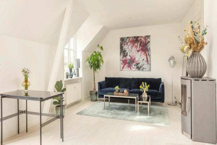 Andrea Elisabeth Rudolph sætter lejlighed på Frederiksberg til salg. Foto: Foto: Lars Gundersen, Adam Schnack A/S.