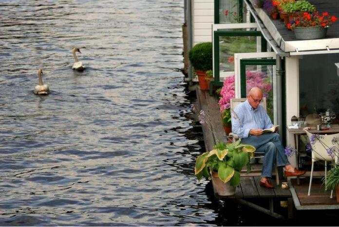 Husbåde: Flyt på vandet og slip for ejendomsskatten. Foto: PR.