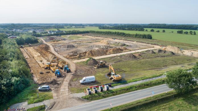 Sådan så det ud, da de 27 grunde i Gørding blev byggemodnet i september sidste år. Foto: Esbjerg Kommune.